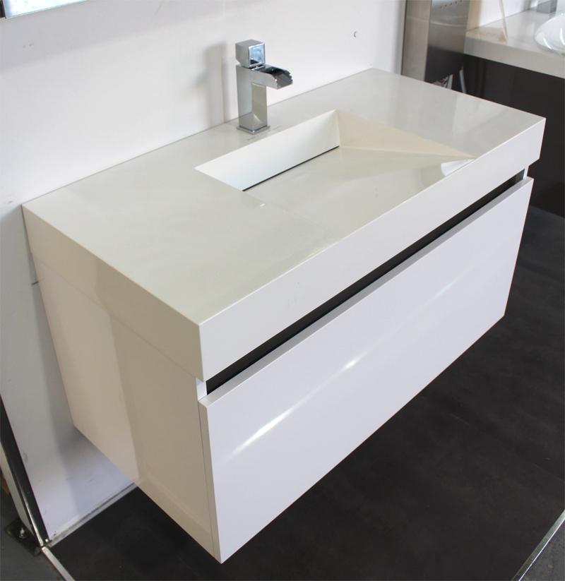 Meuble blanc salle de bain pas cher maison parallele Meuble haut salle de bain pas cher