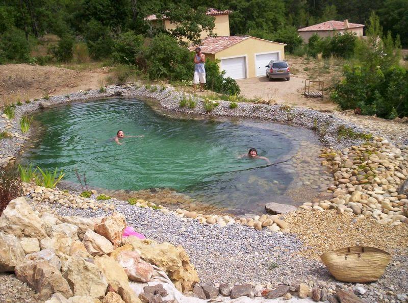 Cr er sa piscine naturelle maison parallele - Piscine ecologique prix ...