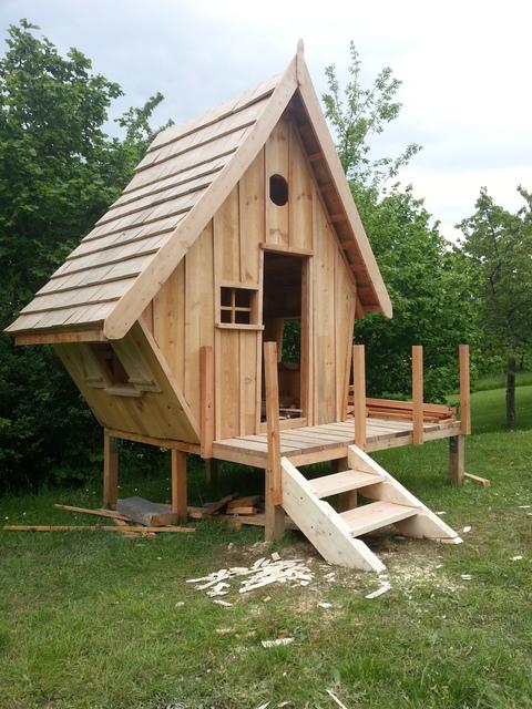 Plan de cabane en bois pour enfant - maison parallele