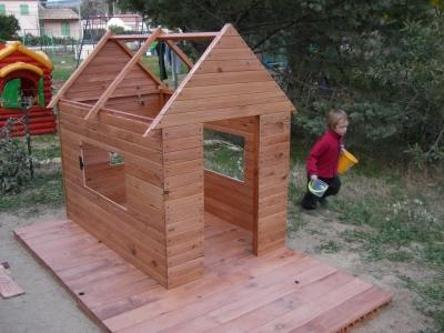 Construire une petite cabane en bois maison parallele - Construire une petite maison en bois ...