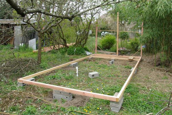 Construire petite cabane en bois