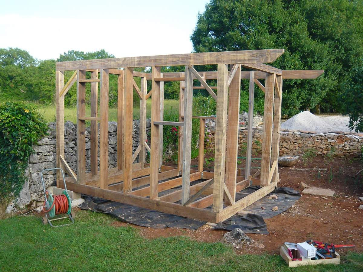 Construction abri de jardin bois
