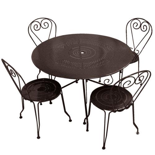 Table ronde et chaise de jardin