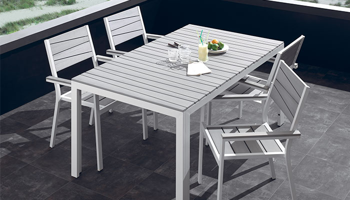 Table de jardin aluminium blanc - maison parallele