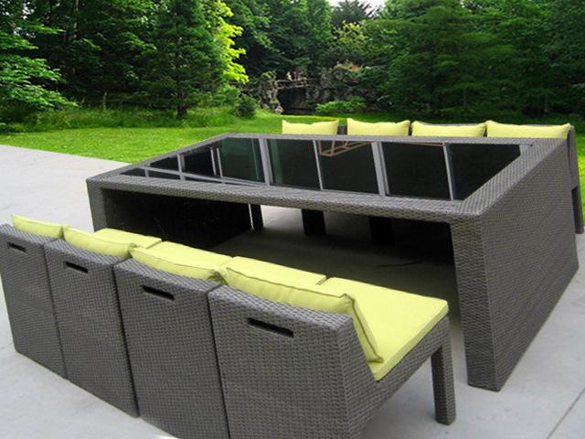 Table de jardin exterieur - maison parallele
