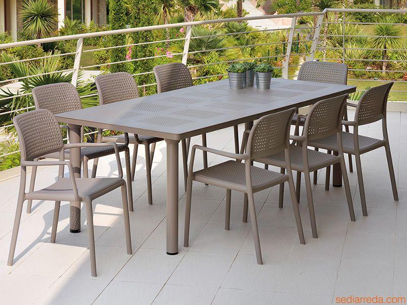 Table de jardin avec rallonge en resine