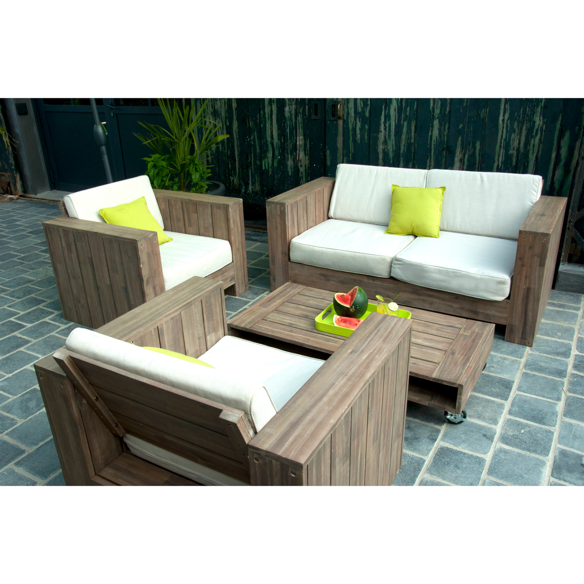 Table de jardin en bois pas cher - maison parallele