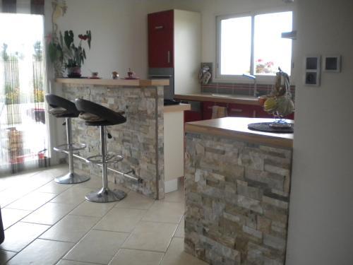 Id e cuisine ouverte maison parallele - Bar pour separer cuisine salon ...