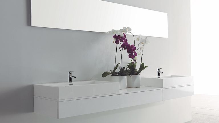 dimension meuble salle de bain maison parallele. Black Bedroom Furniture Sets. Home Design Ideas
