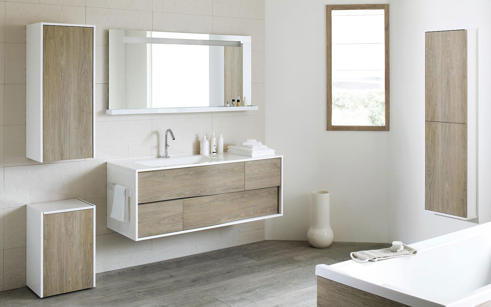 Meuble de salle de bain bois blanc - maison parallele